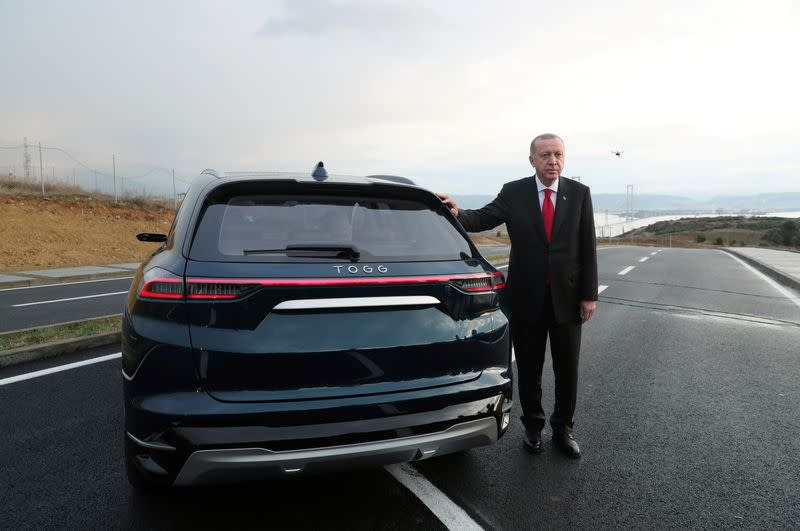 Turkey unveils theÊdomestic electric car project in Gebze