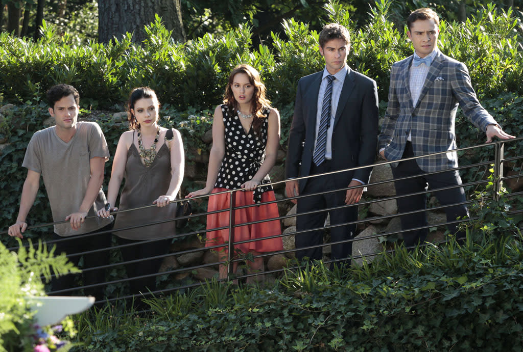 "<b>""<a href=""http://tv.yahoo.com/gossip-girl/show/40313"">Gossip Girl</a>""</b> (The CW) <br><br> <a href=""http://tv.yahoo.com/news/exclusive-gossip-girl-series-finale-set-december-theres-222303015.html"" target=""_blank"">Read More</a>"