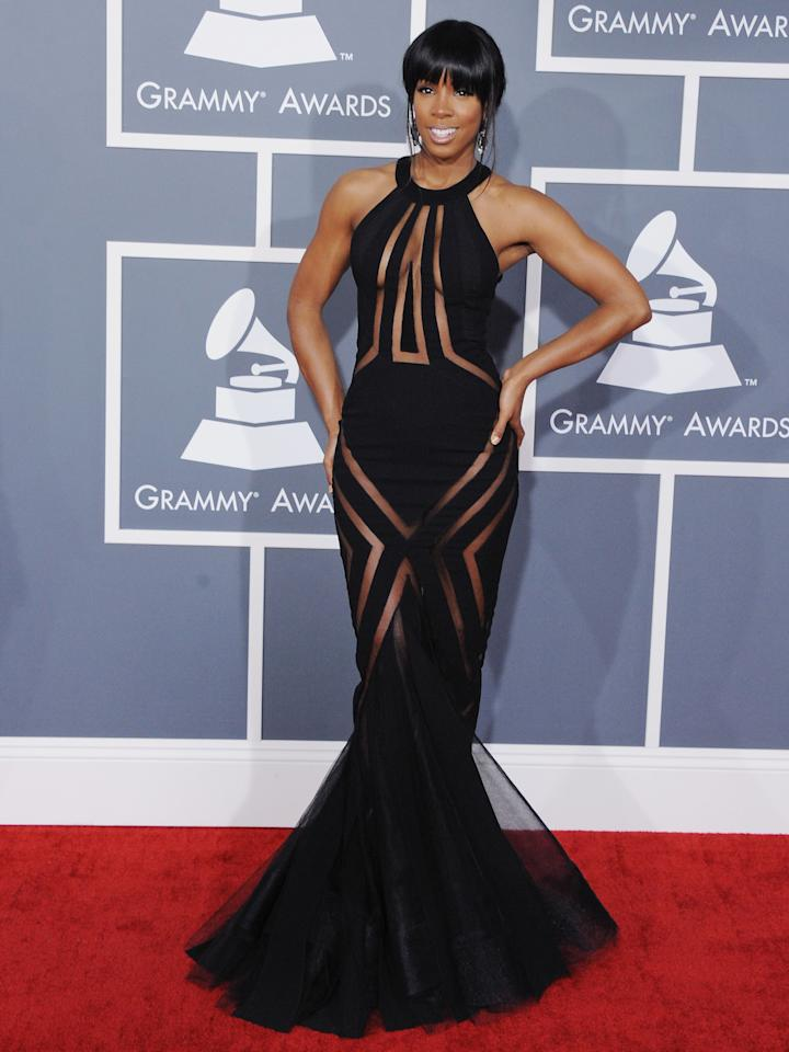 Former Destiny's Child member Kelly Rowland looked sleek and chic at the Grammys in this Georges Chakra creation.