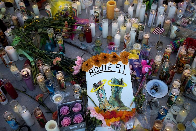 A makeshift memorial to victims of the October 1, 2017 mass shooting at a Las Vegas concert (AFP Photo/Drew Angerer)