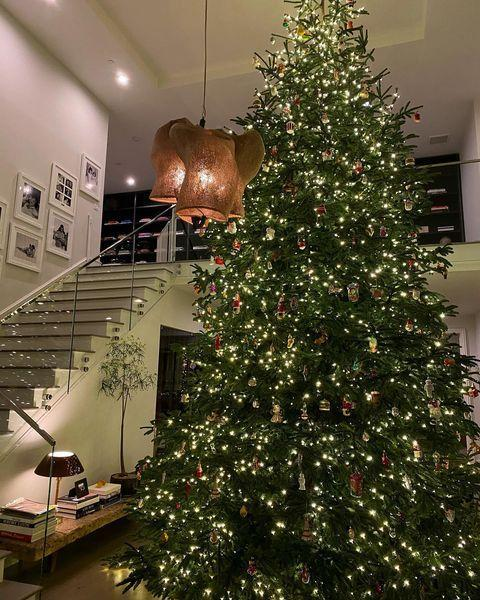 "<p>If there's one thing the Kardash-Jenner clan do best it's Christmas. <a href=""https://www.elle.com/uk/life-and-culture/culture/a34927811/charlize-theron-kylie-jenner-comparison-photo-instagram/"" rel=""nofollow noopener"" target=""_blank"" data-ylk=""slk:Kylie Jenner"" class=""link rapid-noclick-resp"">Kylie Jenner </a>shared photos of her Christmas installation this year with a gigantic tree in her hallway adorned with adorable and traditional ornaments. </p><p><a href=""https://www.instagram.com/p/CIbrNHTnPYh/?igshid=cmt4rk50ankj"" rel=""nofollow noopener"" target=""_blank"" data-ylk=""slk:See the original post on Instagram"" class=""link rapid-noclick-resp"">See the original post on Instagram</a></p>"