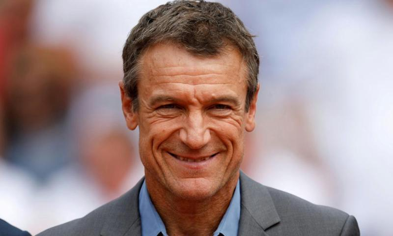 Mats Wilander suggested the 33-year-old Murray should consider stepping aside for younger players