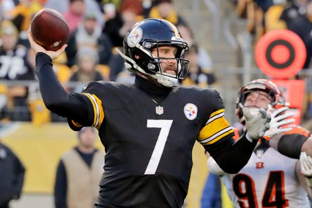 The Pittsburgh Steelers and quarterback Ben Roethlisberger have agreed to a contract extension through 2021. (AP)