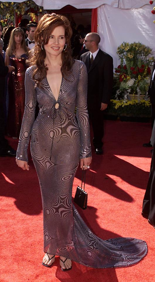 Geena Davis arrives at the 52nd Annual Primetime Emmy Awards at the Shrine Auditorium in Los Angeles, 9/10/00.Photo: Kevin Winter/ImageDirect