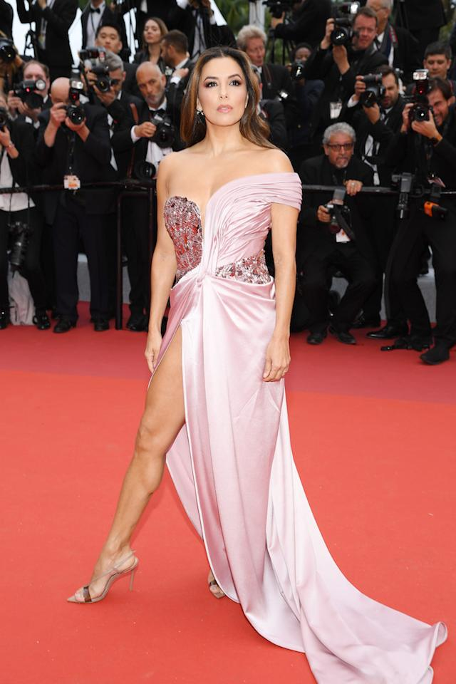 Eva Longoria chose a millennial pink thigh-high split dress by Alberta Ferretti finished with co-ordinating shoes. <em>[Photo: Getty]</em>