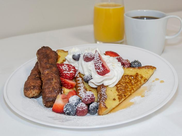 Amtrak's signature railroad French toast- Amtrak traditional dining