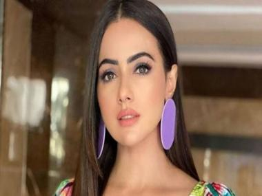 Bigg Boss 6 contestant and Bollywood actor Sana Khan quits showbiz, says 'will serve humanity'