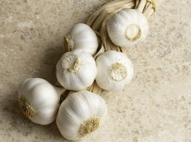 <b>Add Garlic to Your Meals:</b> Garlic has very powerful antioxidant properties. It also strengthens the immune system and helps to prevent cancer. Various studies have shown that garlic can exponentially decrease the odds of stomach cancer.