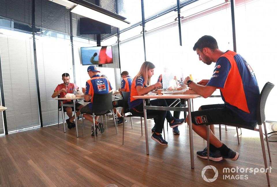 """Hospitality de Red Bull<span class=""""copyright"""">Gold and Goose / Motorsport Images</span>"""