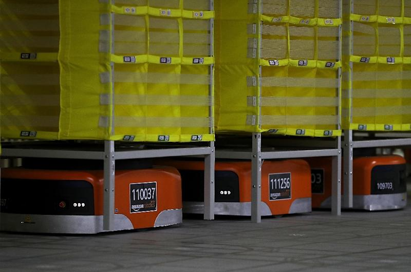 Known for its logistical prowess, Amazon uses robotics technology and vision systems at a fulfillment center in Sacramento, California (AFP Photo/JUSTIN SULLIVAN)