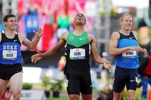 Ashton Eaton (C) scored 9,039 points in the 10-event men's decathlon