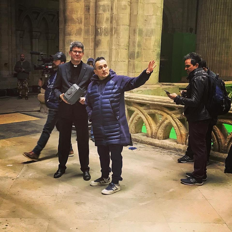 """<p>""""Worthy."""" Joe Russo directs a scene on May 30 apparently set in a church and invovling Thor's hammer, if not the God of Thunder.<br>(Photo: <a href=""""https://www.instagram.com/p/BUuC1qzgRZH/"""" rel=""""nofollow noopener"""" target=""""_blank"""" data-ylk=""""slk:therussobrothers/Instagram"""" class=""""link rapid-noclick-resp"""">therussobrothers/Instagram</a>) </p>"""