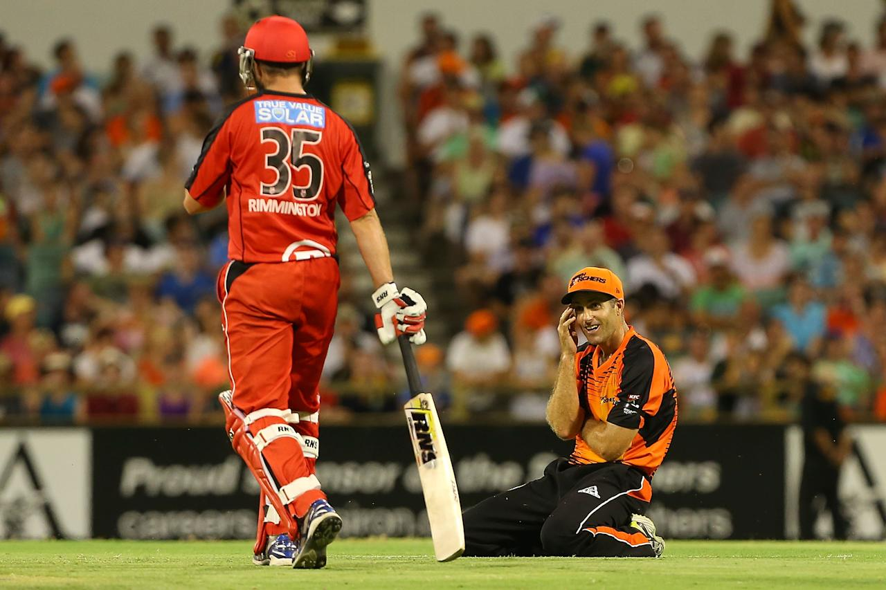 PERTH, AUSTRALIA - DECEMBER 29: Simon Katich of the Scorchers looks on after narrowly missing a runout of Nathan Rimmington of the Renegades during the Big Bash League match between the Perth Scorchers and the Melbourne Renegads at WACA on December 29, 2012 in Perth, Australia.  (Photo by Paul Kane/Getty Images)