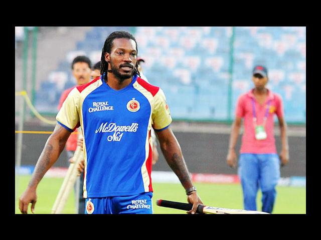 1) Chris Gayle: He wears diamond-encrusted shades with class and carries off dreadlocks with equal panache. Need we say more about Chris Gayle, who can easily be counted as the most stylish cricketer ever! And the good news is that he also plays his bat superbly. There is a different charm about the man who knows his game both on and off the field.