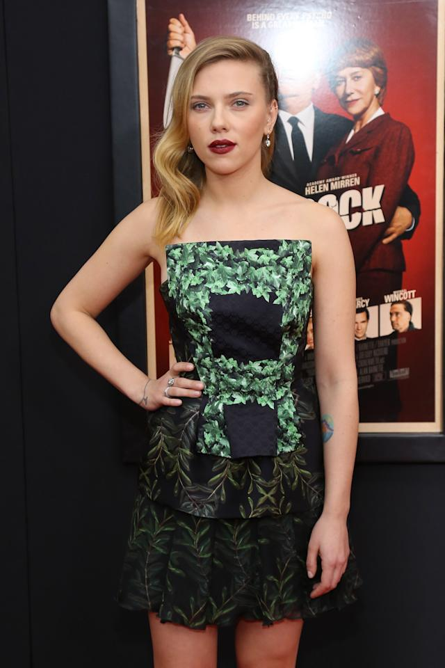"""NEW YORK, NY - NOVEMBER 18:  Actress Scarlett Johansson attends the """"Hitchcock"""" New York Premiere at Ziegfeld Theater on November 18, 2012 in New York City.  (Photo by Neilson Barnard/Getty Images)"""