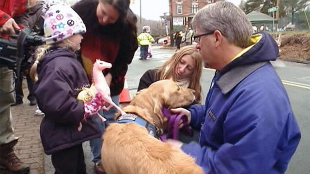 Dogs Make Sandy Hook Students Smile
