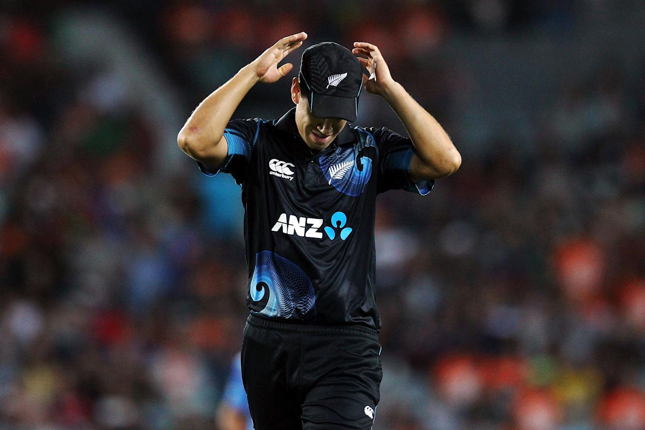 AUCKLAND, NEW ZEALAND - JANUARY 25: Ross Taylor of New Zealand reacts during the One Day International match between New Zealand and India at Eden Park on January 25, 2014 in Auckland, New Zealand.  (Photo by Anthony Au-Yeung/Getty Images)