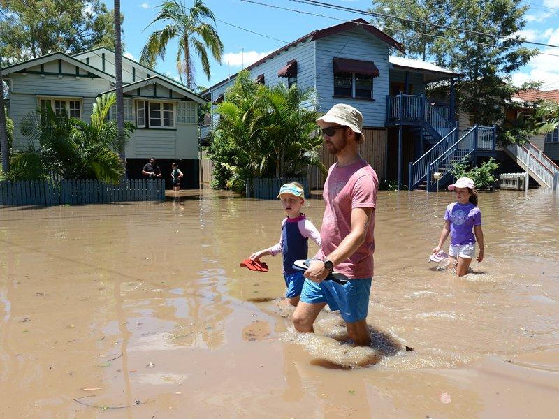 Insurers prepared for mounting flood costs