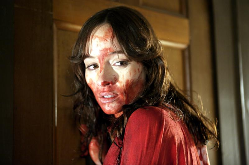 Jocelin Donahue has a bloody night of babysitting in 'The House of the Devil' (Photo: Magnet Releasing/Courtesy Everett Collection)