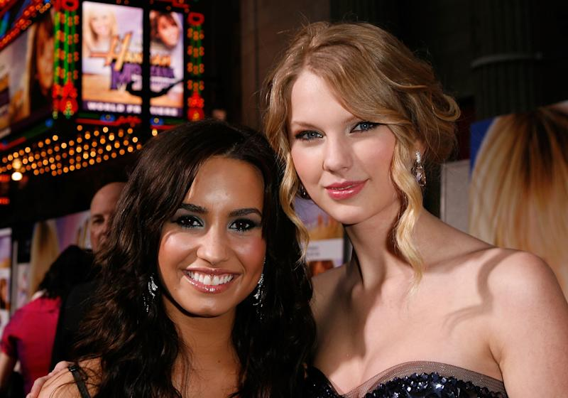 Lovato and Swift at the premiere of the Hannah Montana: The Movie in 2009.