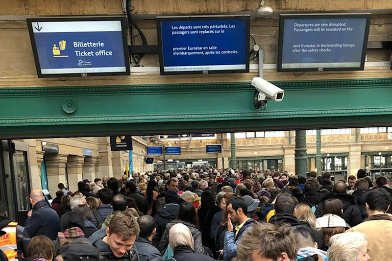 Five hour queues for Eurostar built over the weekend (Tom Halverson)