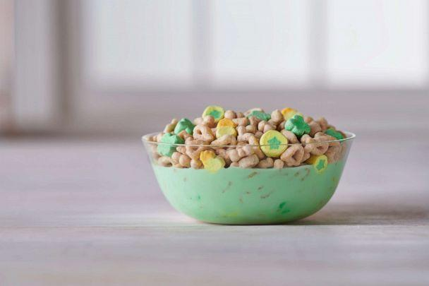 PHOTO: Lucky Charms released a limited-edition, magically visual Green Milk Turn cereal. (General Mills )