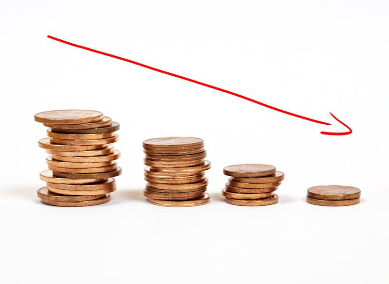 Money incline or decline (Photo: mikroman6 via Getty Images)