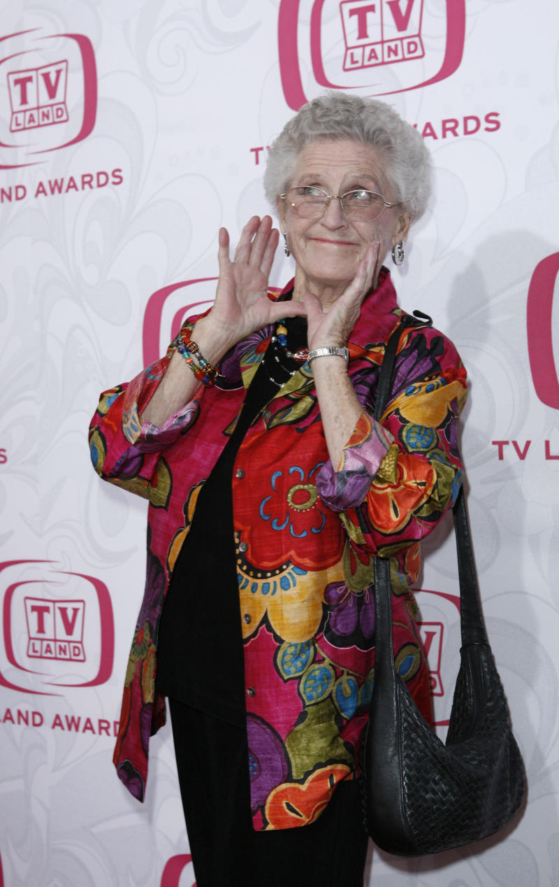 """FILE - In this April 14, 2007, file photo, Ann B. Davis arrives at the 5th Annual TV Land Awards in Santa Monica, Calif. Emmy-winning actress Davis, who played the housekeeper on """"The Brady Bunch,"""" has died at a San Antonio hospital on Sunday, June 1, 2014. She was 88. (AP Photo/Gus Ruelas, File)"""