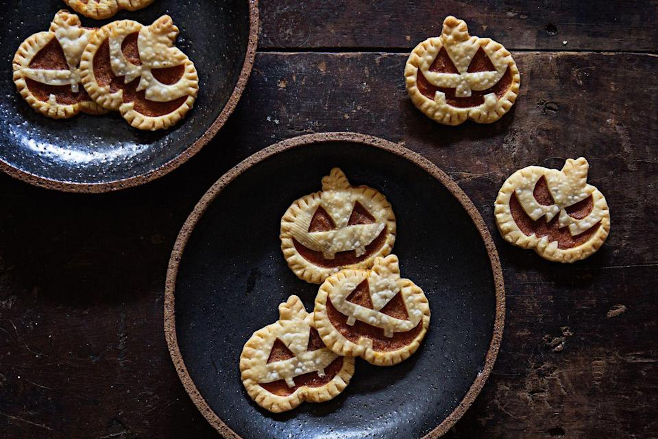 """<p>Even if you can't pull off a homemade pumpkin pie, you can definitely master these adorable hand pies.</p><p>Get the recipe from <span class=""""redactor-invisible-space""""><a href=""""https://www.delish.com/cooking/recipe-ideas/recipes/a44442/pumpkin-hand-pies-recipe/"""" rel=""""nofollow noopener"""" target=""""_blank"""" data-ylk=""""slk:Delish"""" class=""""link rapid-noclick-resp"""">Delish</a>.</span></p>"""