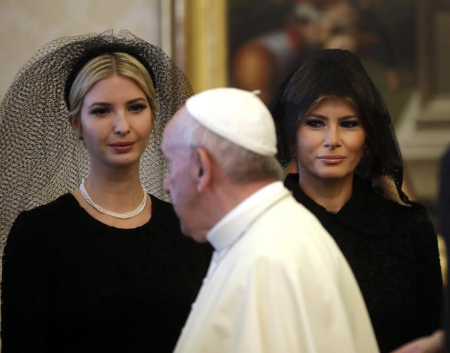 <p>Pope Francis walks past Ivanka Trump, left, and First Lady Melania Trump on the occasion of the private audience with President Donald Trump, at the Vatican, May 24, 2017. (Photo: Alessandra Tarantino/AP) </p>