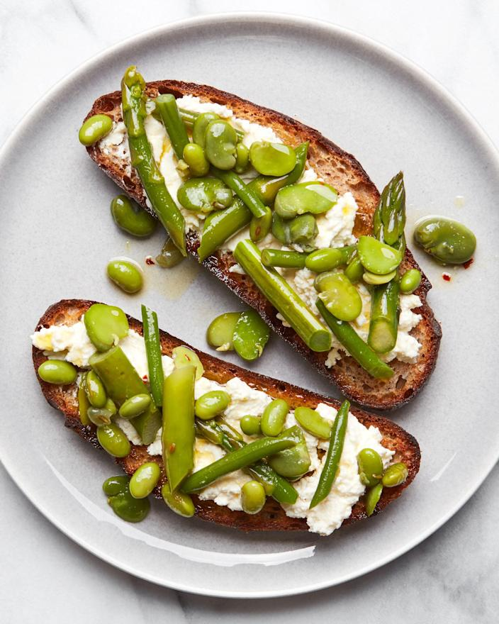 """<h1 class=""""title"""">Marinated Fava Beans - INSET - IG V2</h1><cite class=""""credit"""">Photo by Joseph De Leo, Food Styling by Erika Joyce</cite>"""