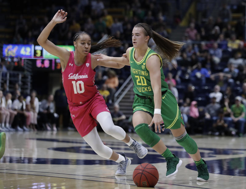 Oregon's Sabrina Ionescu made it 25 career triple-doubles in Friday night's game against Cal. (AP Photo/Ben Margot)