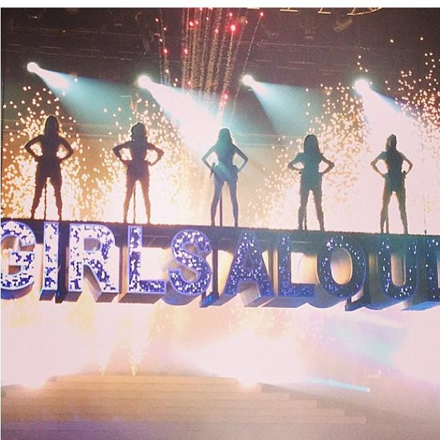 Celebrity Twitpics: Girls Aloud kicked off their Ten Tour this week, and Nicola Roberts tweeted this snap of the girls in action after they came off stage at the first date. Copyright [Nicola Roberts]