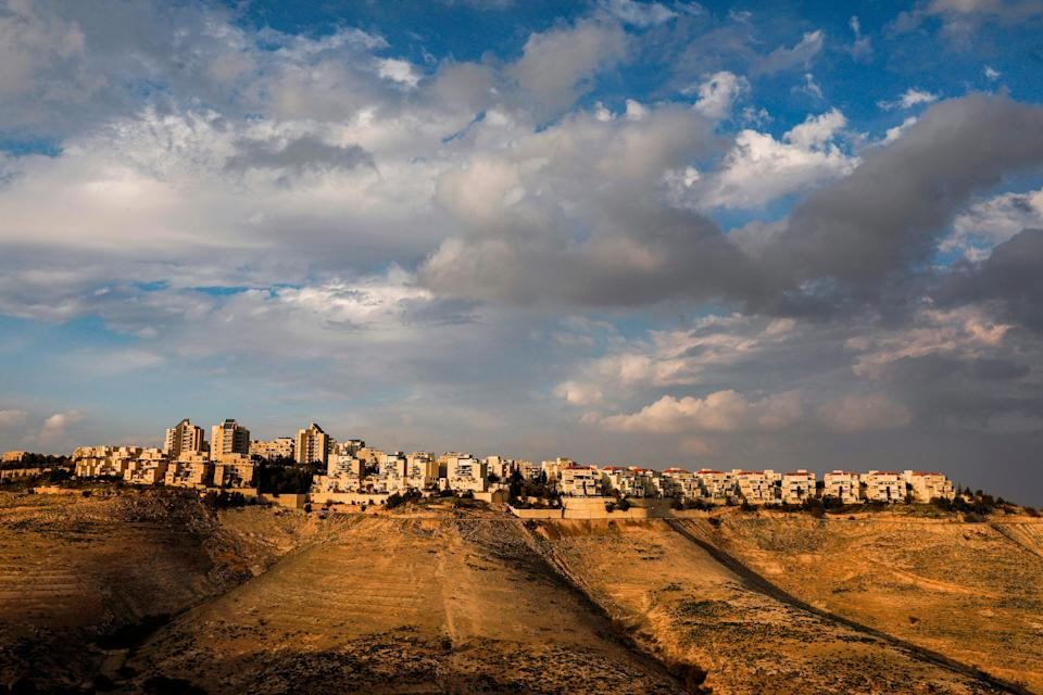 The settlement of Maale Adumim in the town of Eizariya, in the occupied West Bank, is Israel's largest in the occupied territories. (Photo: MENAHEM KAHANA/AFP via Getty Images)