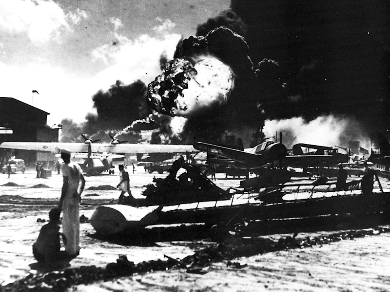 pearl harbor, december 7. 1941, naval air station airfield