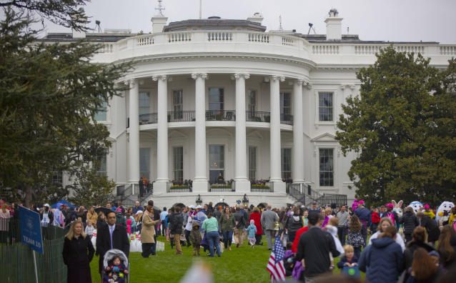 <p>Guests arrive for the annual White House Easter Egg Roll on the South Lawn of the White House in Washington, Monday, April 2, 2018. (Photo: Pablo Martinez Monsivais/AP) </p>