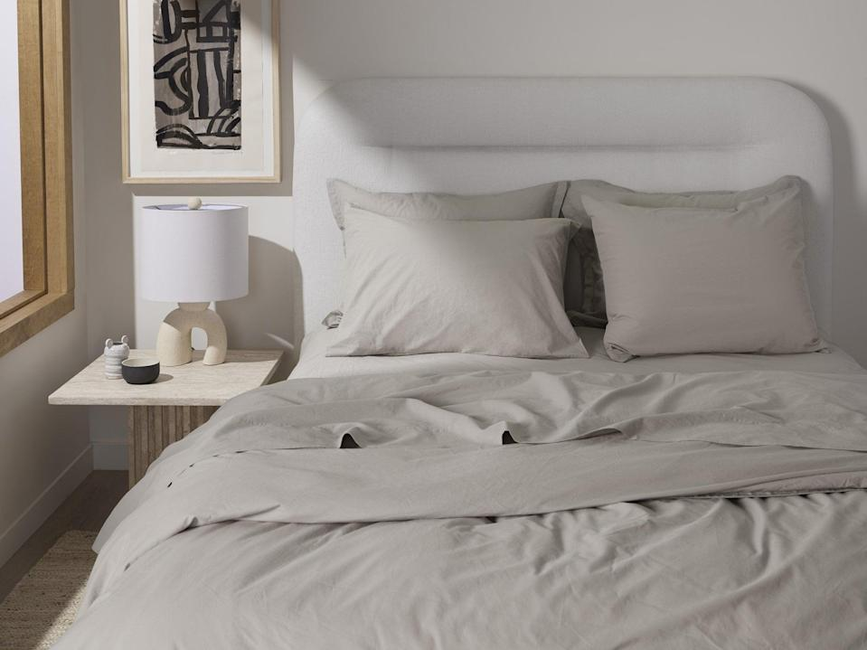 """<p>""""Parachute makes buying sheets fun (no easy feat). I'm upgrading my bedding with the <span>Parachute Percale Venice Set</span> ($239-$339) which comes sans top sheet, because who needs it?"""" - CS</p>"""