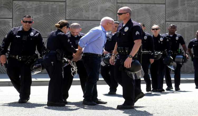 US Begins Raids To Evict Undocumented Immigrants