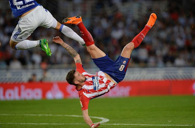 Soccer Football - La Liga Santander - Real Sociedad vs Atletico Madrid - Anoeta Stadium, San Sebastian, Spain - April 19, 2018 Atletico Madrid's Saul Niguez in action REUTERS/Vincent West