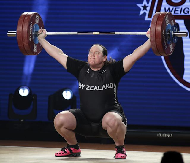 Laurel Hubbard of New Zealand won silver at the IWF World Weightlifting Championships. (EFE)