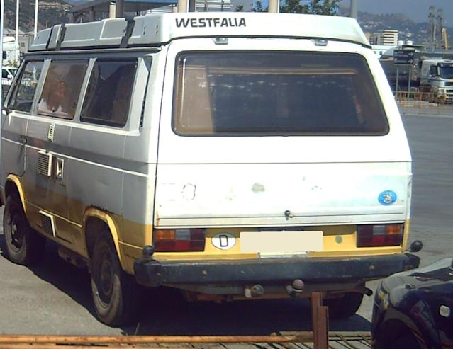 A VW T3 Westfalia campervan that has been linked to the suspect. (PA Images/Met Police)