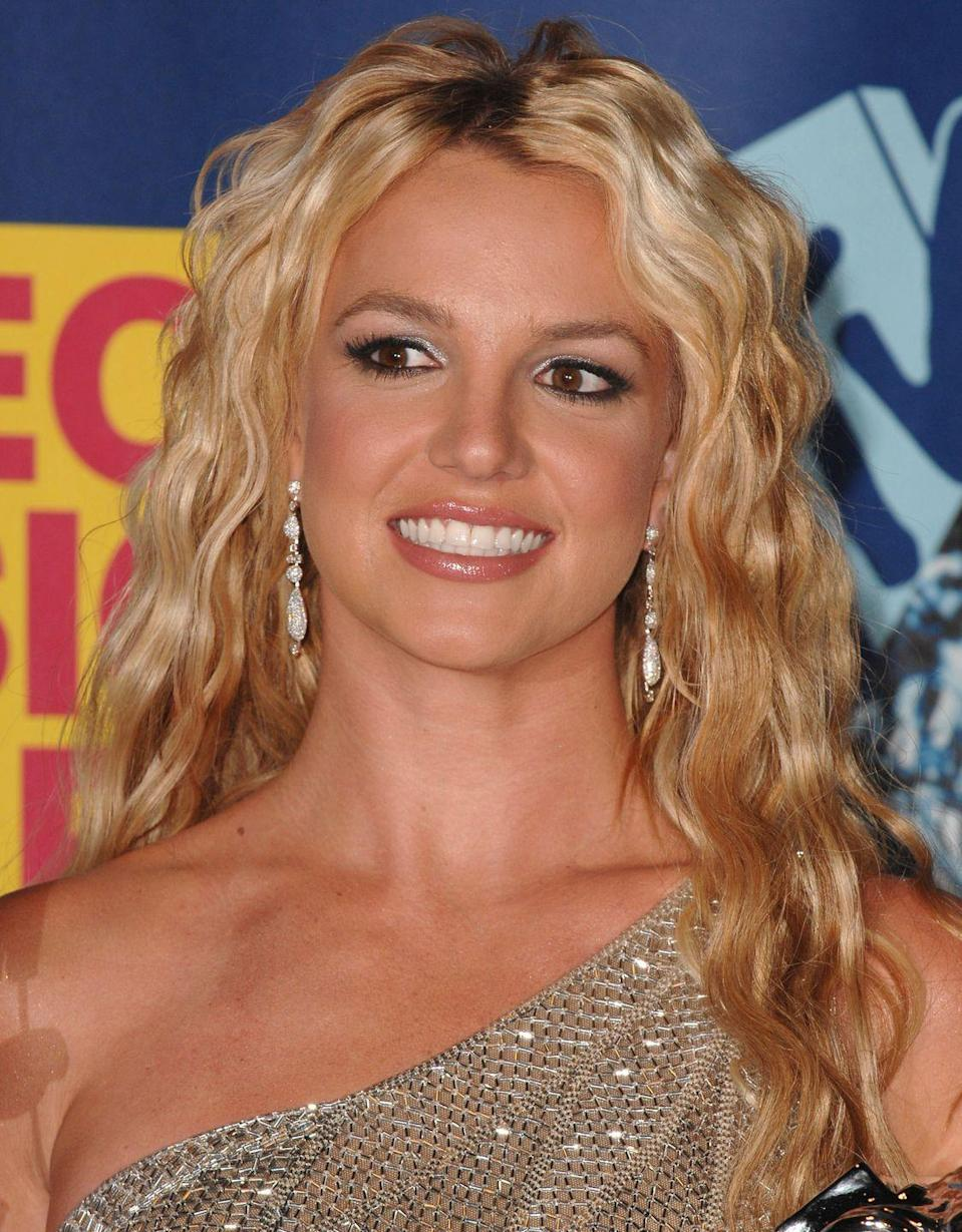 <p>Can I just say that she looked better than ever at the MTV Music Video awards in 2008? Golden blonde crimped hair = always a solid move.</p>