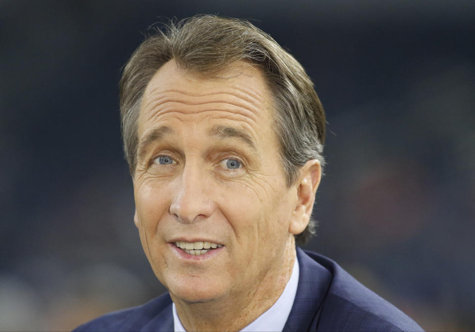 25 SEP 2016: NBC Sports Sunday Night Football announcer Cris Collinsworth on set during a NFL game between the Chicago Bears and the Dallas Cowboys at AT&T Stadium in Arlington, TX. Cowboys won 31-17. (Photo by Ray Carlin/Icon Sportswire via Getty Images)