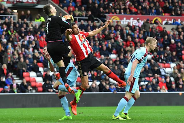 """<p>Britain Football Soccer – Sunderland v Burnley – Premier League – Stadium of Light – 18/3/17 Sunderland's Jack Rodwell in action with Burnley's Tom Heaton Reuters / Anthony Devlin Livepic EDITORIAL USE ONLY. No use with unauthorized audio, video, data, fixture lists, club/league logos or """"live"""" services. Online in-match use limited to 45 images, no video emulation. No use in betting, games or single club/league/player publications. Please contact your account representative for further details. </p>"""