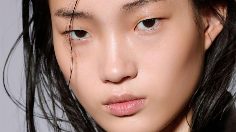 If You Have Dry Skin, These 7 Basic Habits Are Big No-Nos