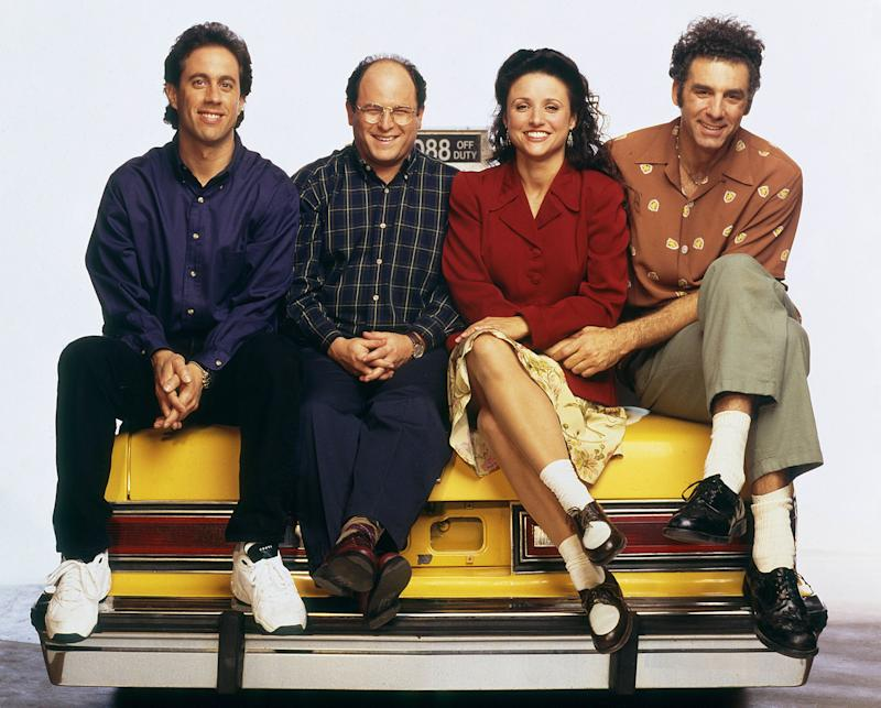 """The cast of """"Seinfeld"""" posing for a Season 6 promotional photo. (Photo: NBC via Getty Images)"""