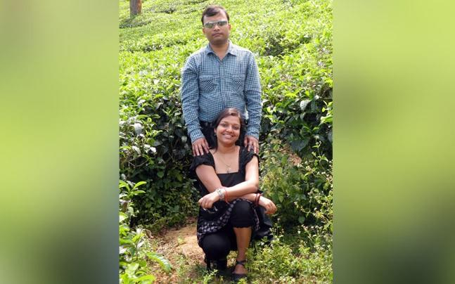 <p>Software engineer in Bengaluru burnt himself to death after his 7 year old son could not get admission in top school. 35 year old Ritesh Kumar had paid Aditya Bajaj 2.5 lac as tout after Bajaj promised Kumar a seat to his son.</p>