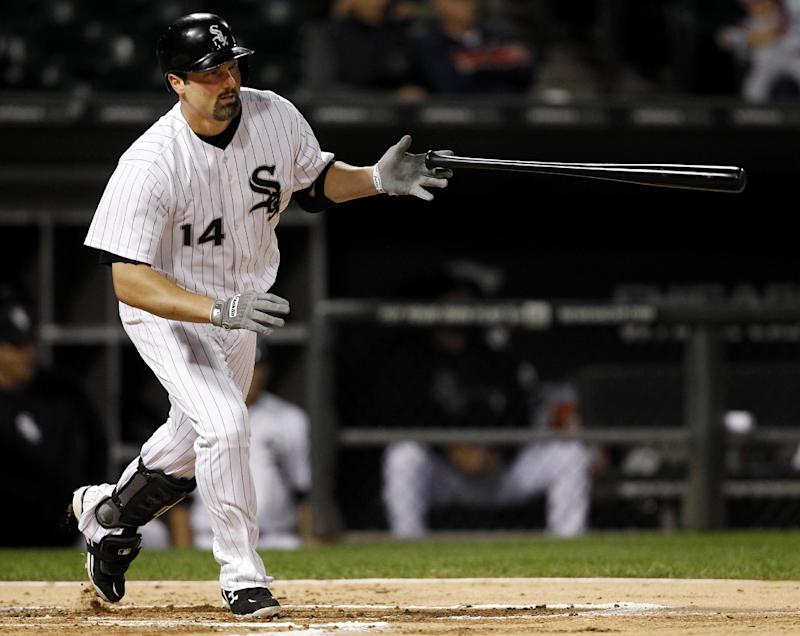 White Sox 1B Konerko out with bruised kneecap