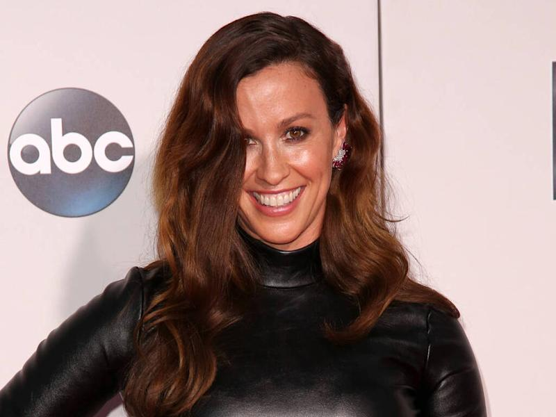 Alanis Morissette: 'Therapists have kept me alive'