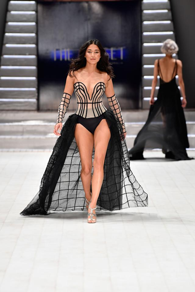<p>The 33-year-old turned heads while she paraded down the catwalk, showing off their latest range. Source: Getty </p>